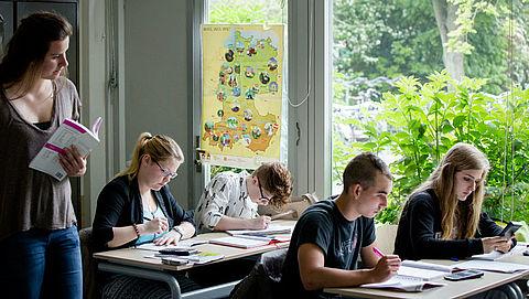 Middelbare scholen verschillen te veel in kwaliteit}