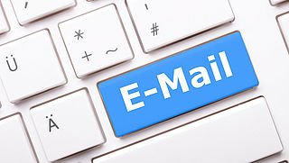 Uitvinder e-mail overleden