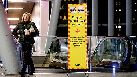 'Streekbusvervoer in heel Nederland ligt plat door staking'}