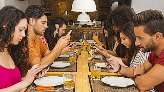 Zaterdag in Radar Radio: Hoe voorkom je een telefoonverslaving?