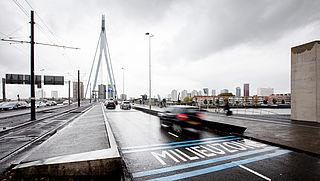 Oude benzineauto's voorlopig weer toegestaan in Rotterdamse milieuzone