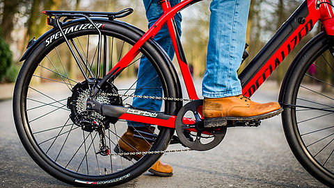 'Snelle elektrische fiets moet terug naar fietspad'
