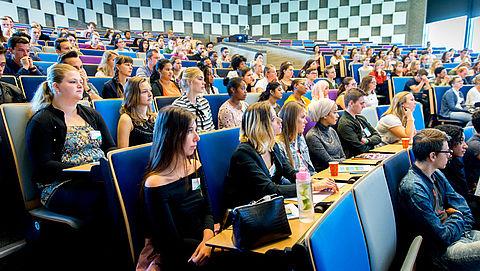 'Gebruik van Engels op universiteit meestal niet vanwege onderwijskwaliteit'