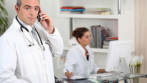 Zorgverleners besteden 40 procent van werktijd aan administratie