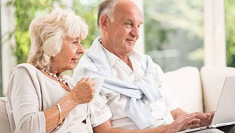 Ouderen in het buitenland opgeroepen om AOW op te vragen