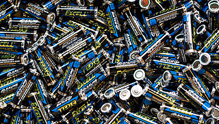 Oplaadbare- of wegwerpbatterijen?
