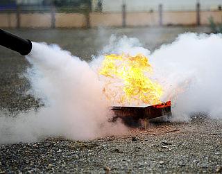 'Snijden brandweer ten koste veiligheid'