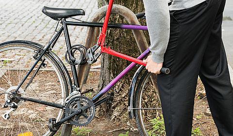 Minder aangiftes van fietsendiefstal }