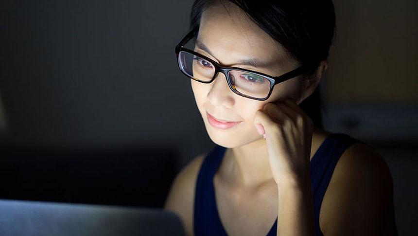 Bril Met Licht : Brillen die blauw licht filteren zin of onzin radar het