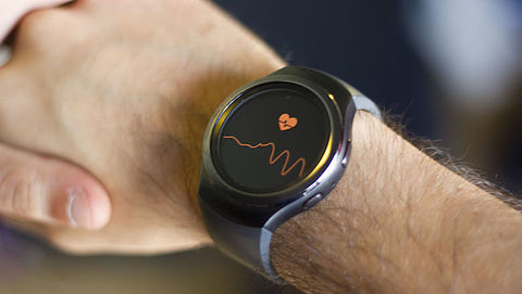 Kan een app of smartwatch voorspellen wanneer je het coronavirus krijgt?