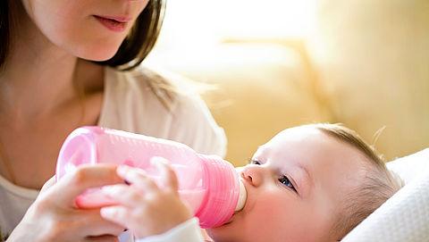 Foodwatch: zorgen om gevaarlijke olieresten in babymelk