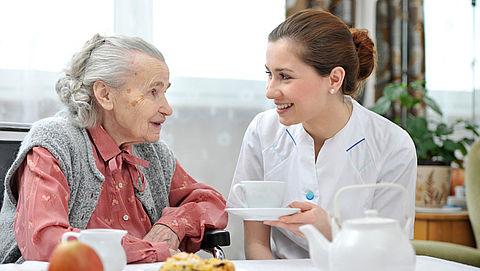 Ouderen zien zorgverlener te weinig