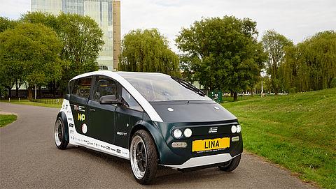 Eindhovense studenten bouwen auto gemaakt van planten
