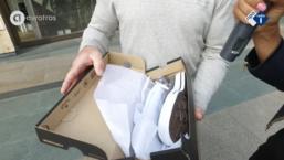Shoppen met consumenten: wasmand en merkgympen