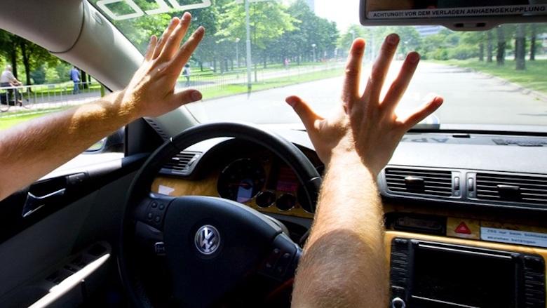 Zien we over vijf jaar volledig zelfrijdende auto's op de snelweg?
