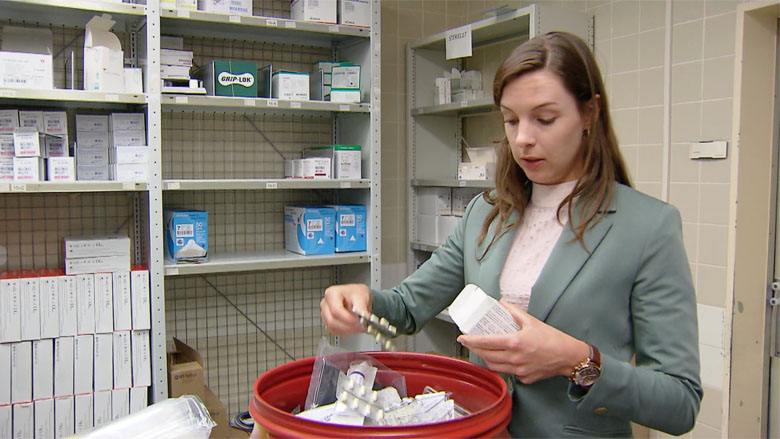 Overgebleven medicijnen lang niet altijd bij de apotheek gebracht