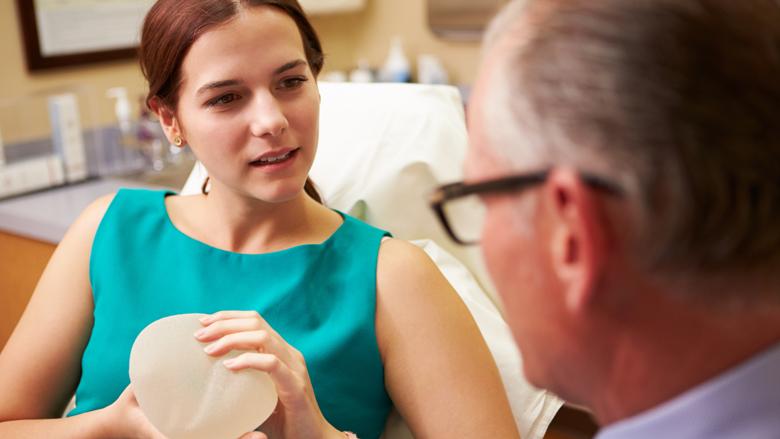 Vage klachten door borstimplantaten vaak niet herkend en erkend door arts