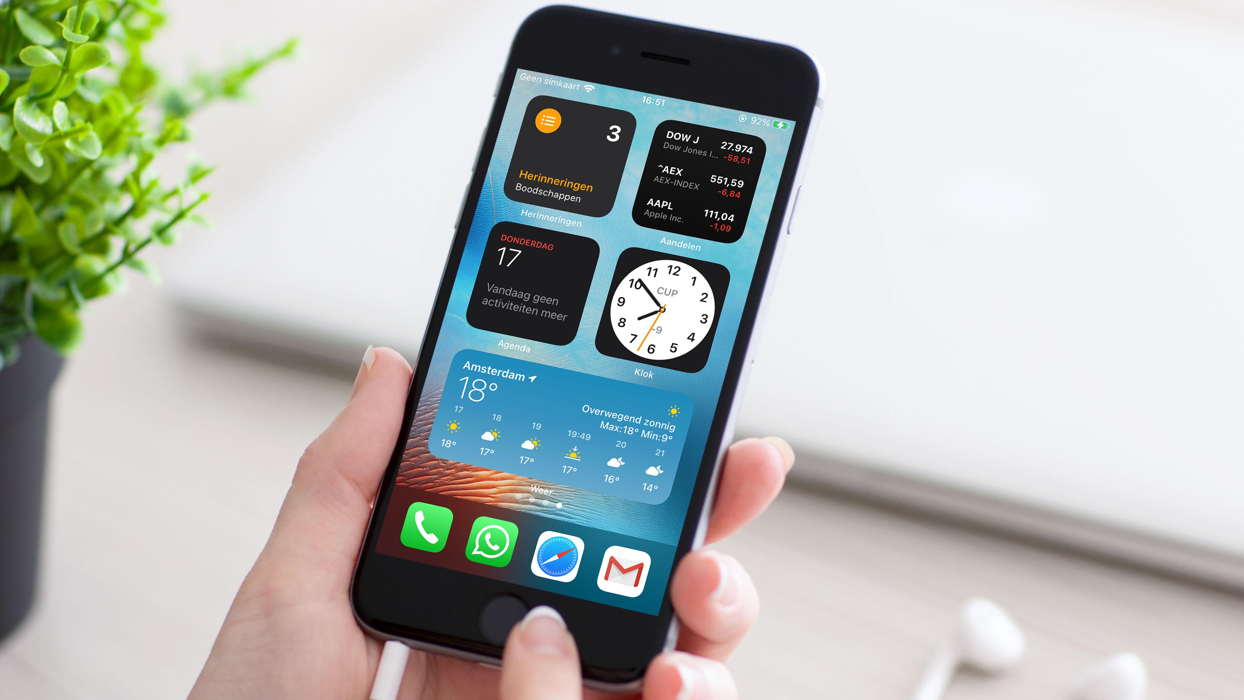 Widgets op het thuisscherm, zoals kalender, to-do-lijst en aandelenapp