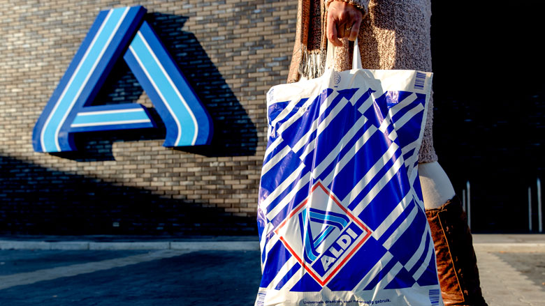 Geen plastic en papieren boodschappentassen meer bij ALDI