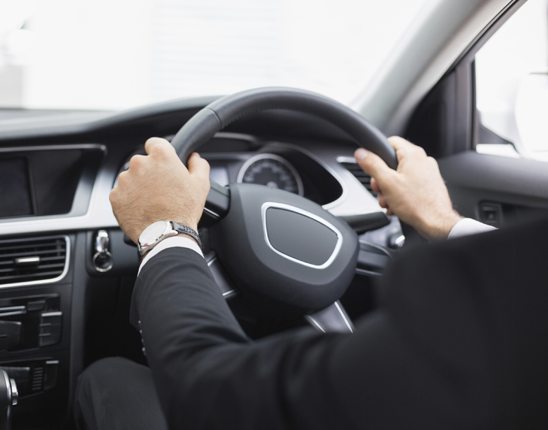 'Autofabrikant volgt automobilist overal'