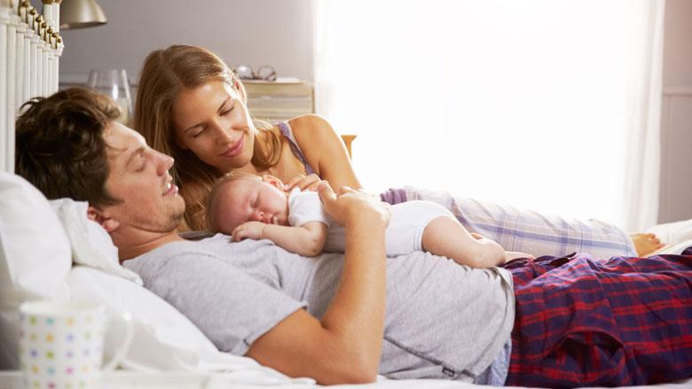 'Baby in ouderlijk bed is niet veilig'