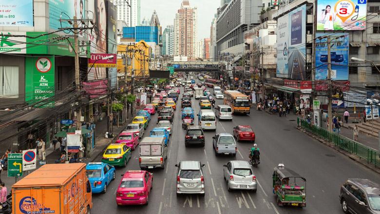Thaise verkeersovertreders moeten werken in lijkenhuis
