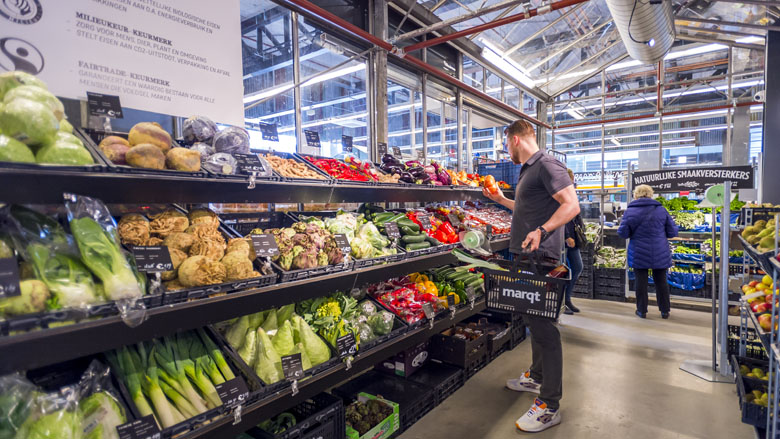 Supermarkten boeren goed met biologische producten