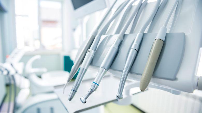 Duizenden tandartsen geven gehoor aan oproep tegen borende mondhygiënist