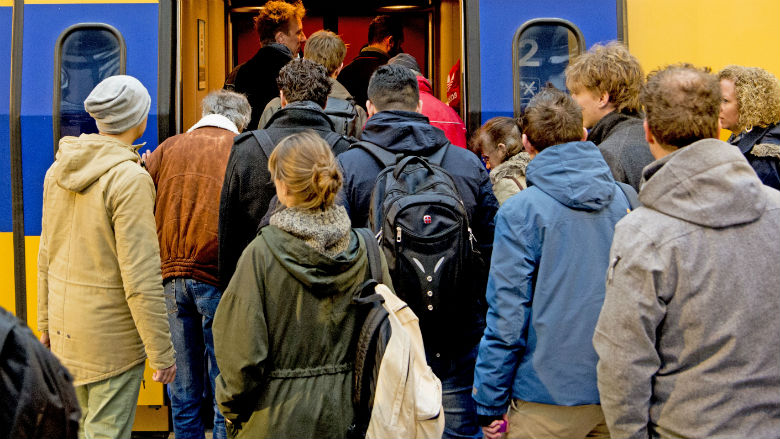 NS bereidt zich voor op recorddrukte in de trein