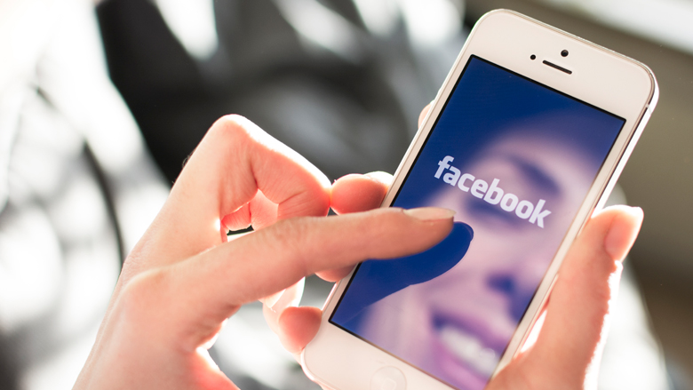 Facebook verbant databedrijf om privacy