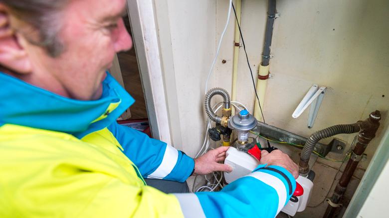 Honderden gasmeters acuut vervangen omdat er verkeerde lijm is gebruikt