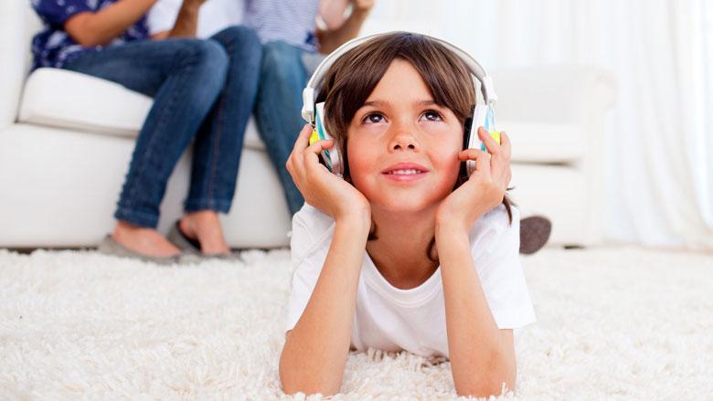 'Alarmerend groot' aantal jonge kinderen met gehoorverlies