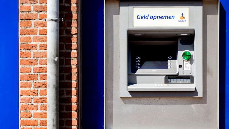 Rabobank sluit geldautomaten 's nachts uit voorzorg af