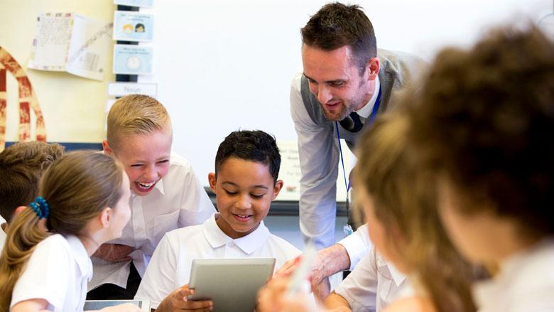 'Ruim helft van scholen stopt met iPad-onderwijs'