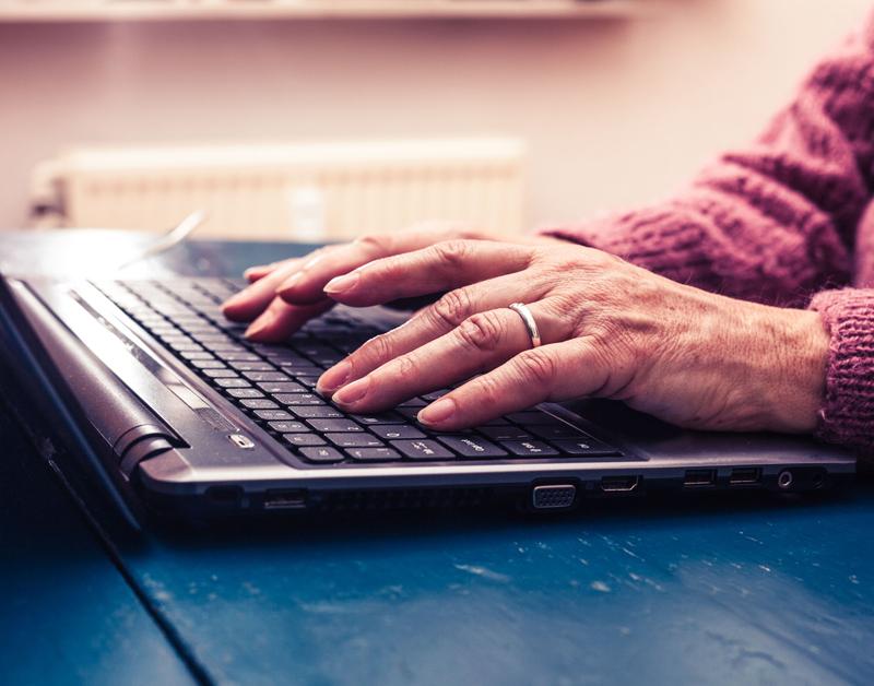Contact met overheid mag niet alleen digitaal