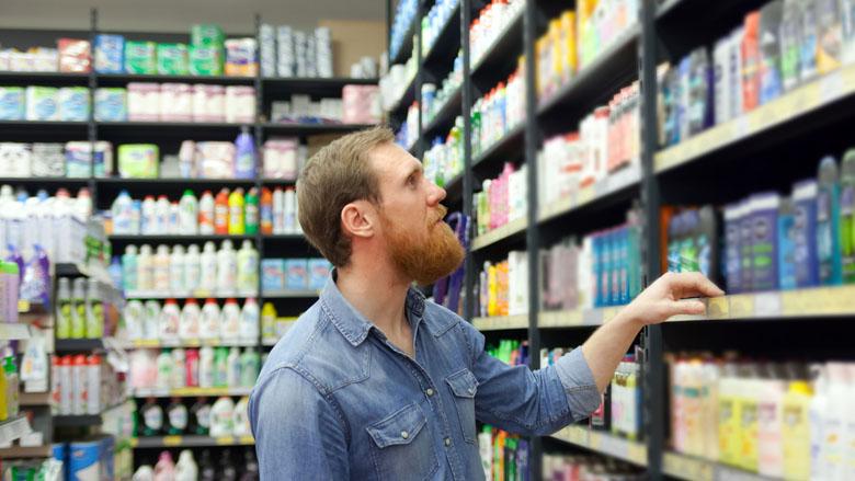 Consument spendeert meer dan noodzakelijk aan 'mannenproducten', parfum en tandpasta