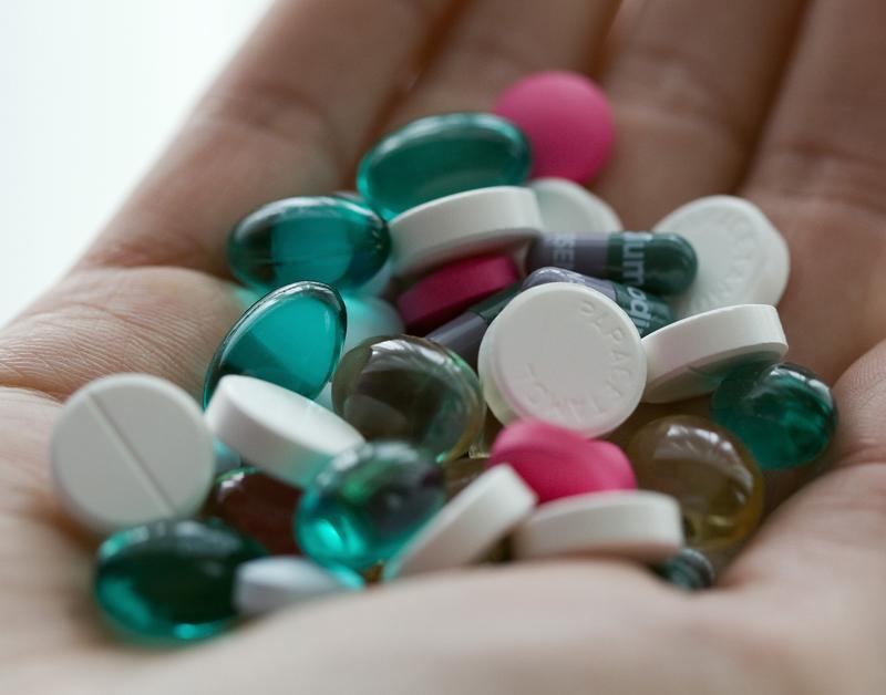 Schippers wil meer inzicht kosten medicijnen