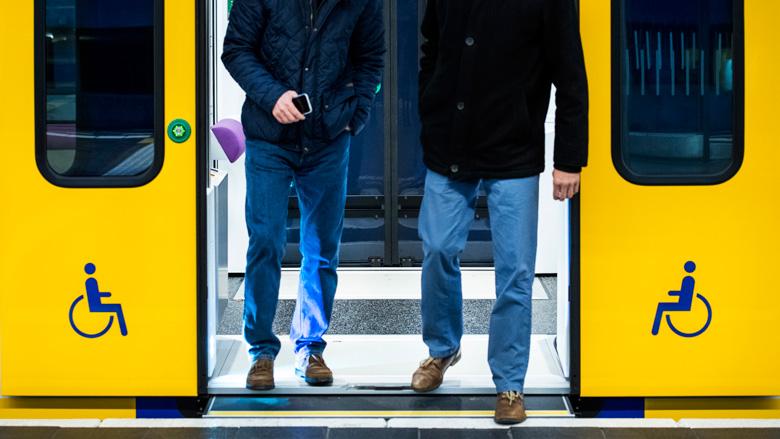 NS experimenteert met korting voor treinreis buiten spits