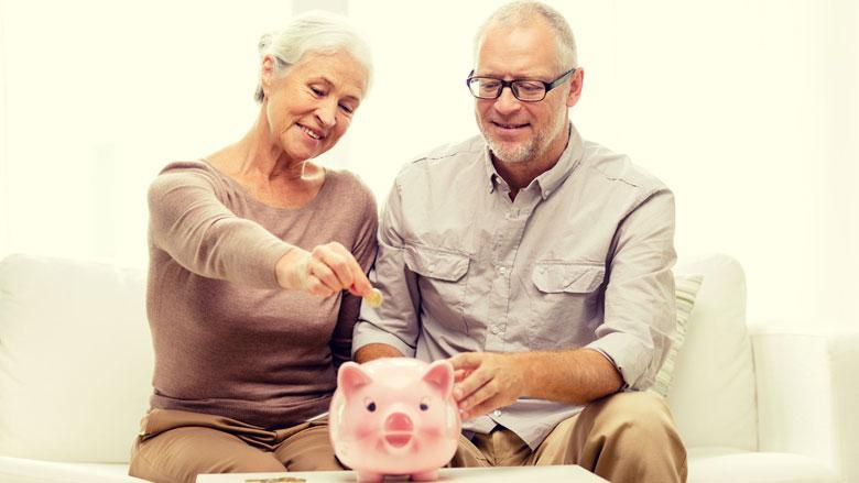 CBS: Aantal arme ouderen neemt af
