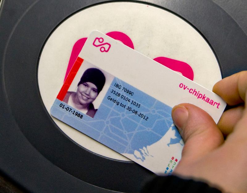 Pleidooi voor gratis vervanging OV-chipkaart