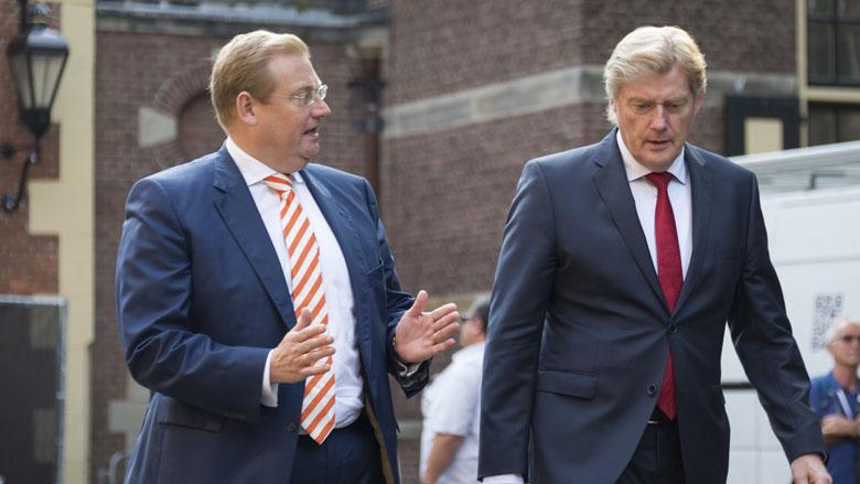 Nederlanders geven de overheid een magere voldoende