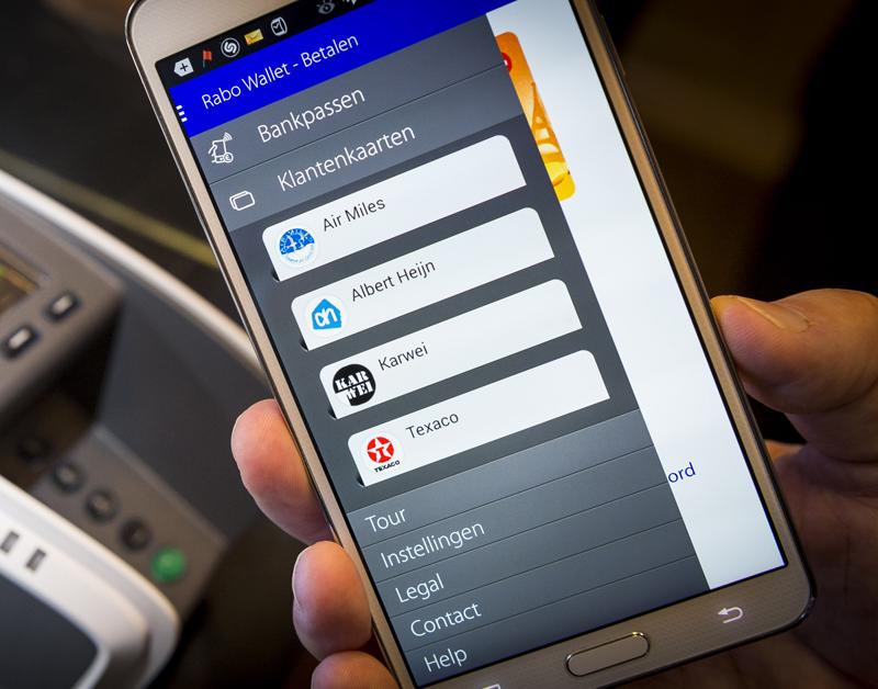 Betalen met smartphone vervangt pinpas