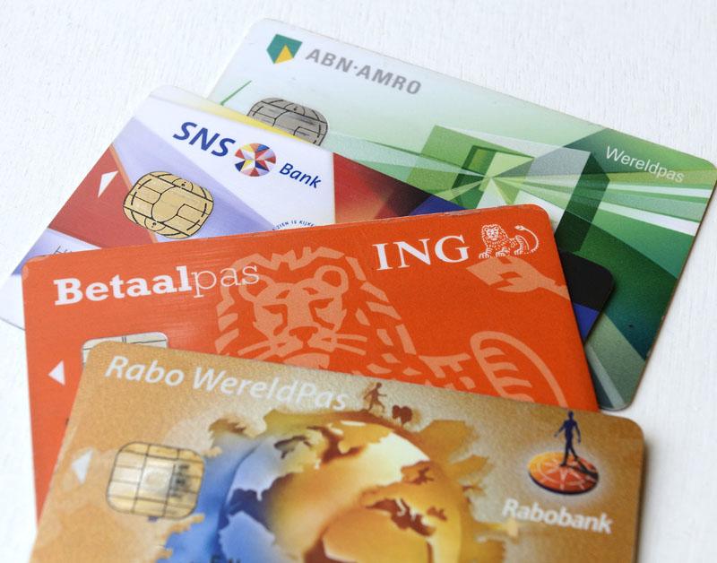 9 vragen over betalen met je pinpas in het buitenland