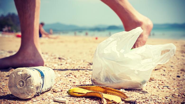 Brussel wil verbod op plastic wegwerpvoorwerpen zoals rietjes en roerstaafjes