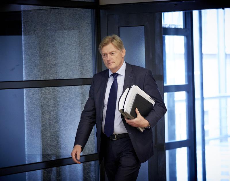 Van Rijn kijkt naar vergoeding pgb-chaos