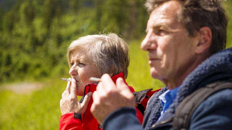 Meeste sportverenigingen hebben geen rookbeleid en verkopen ongezonde voeding