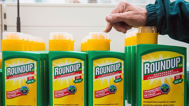Fabrikant van onkruidverdelger Roundup moet 250 miljoen betalen aan kankerpatiënt