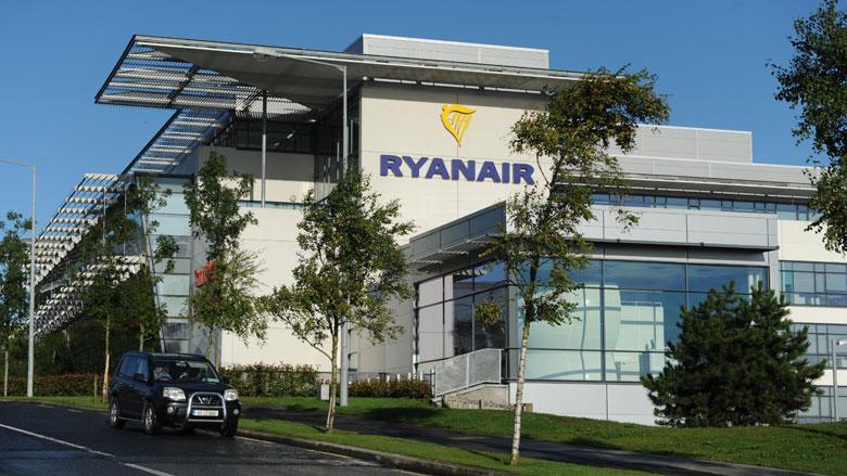 Ryanair informeert gedupeerde klanten na kritiek toezichthouders