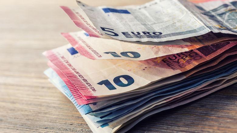 65-plussers schenken gemiddeld 4000 euro aan kinderen