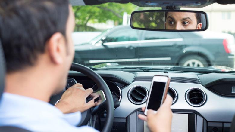 51 procent automobilisten gebruikt smartphone in verkeer